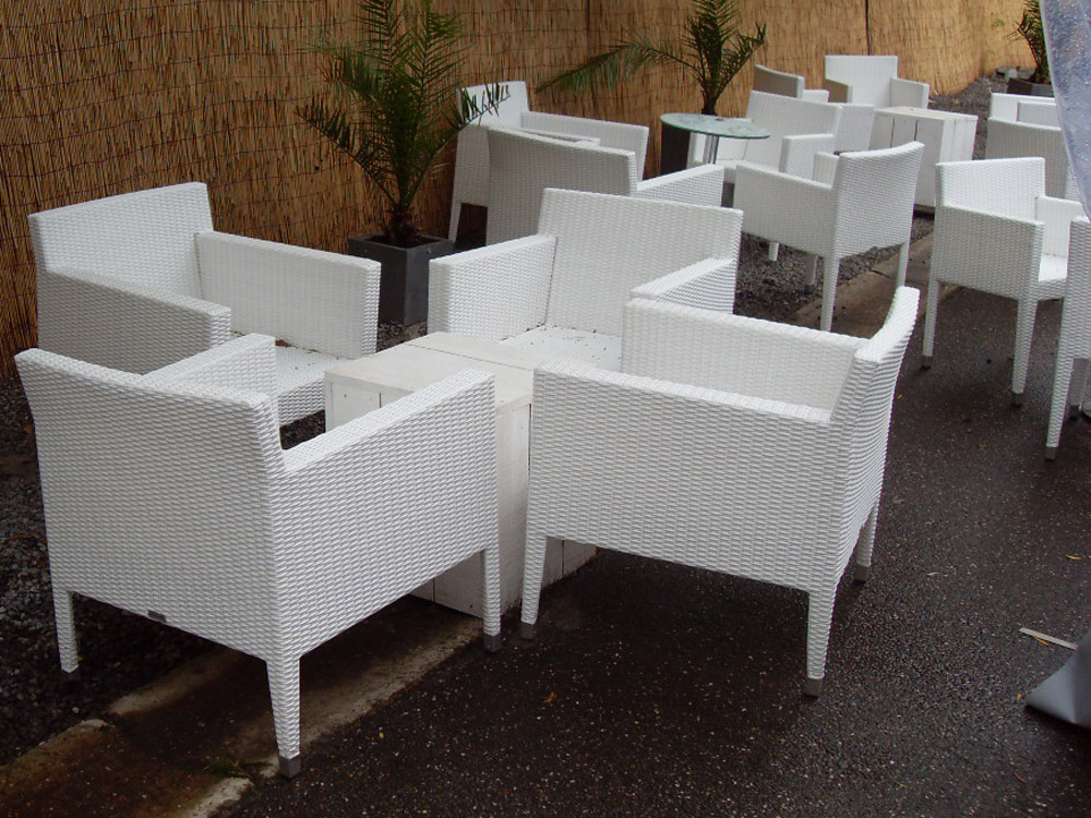 S-Pool-Lounge-Set-3.jpg